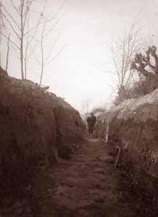 camminamento sul Carso (foto Ten. Gianni Peri)