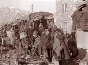 militari durante trasferimento  (foto Ten. Gianni Peri)